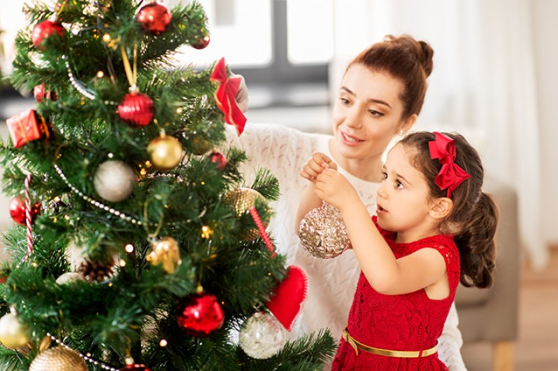 8-holiday-decorating-safety-tips